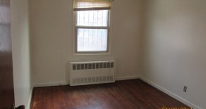 2 bedroom , large lr , eat in kitchen , section 8 , in Canarsie