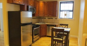 Gorgeous 2 br , large lr,granite eat in kitchen located in kensington