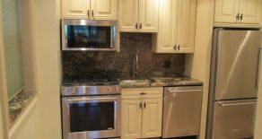 Beautiful 2 br , gorgeous kitchen with m/w , d/w , beautiful bathroom , w/d located in windsor terrace